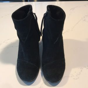 Toms suede booties size 8